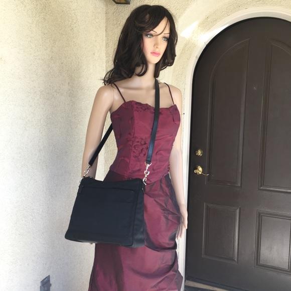 57bf57dc6239 Gucci Handbags - Gucci Shoulder bag. Black nylon.